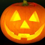 VIDEO: Jak vyrobit Halloweenskou dýni